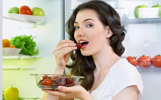Ăn uống khoa học giúp bảo vệ bạn khỏi giãn tĩnh mạch chân