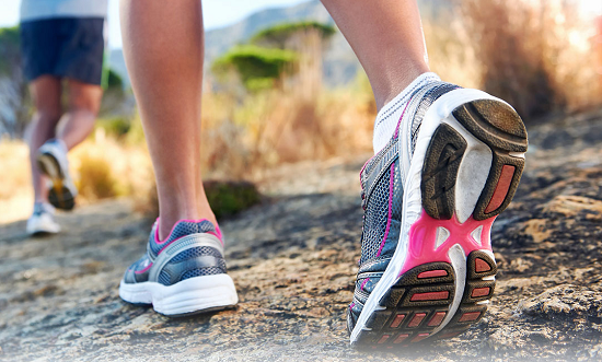 Đi giày dép thoải mái khiến các mạch máu không bị chèn ép
