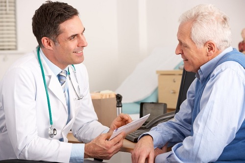 Giãn tĩnh mạch chân cần điều trị lâu dài và liên tục