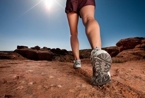 Thường xuyên vận động để tránh bị huyết khối tĩnh mạch