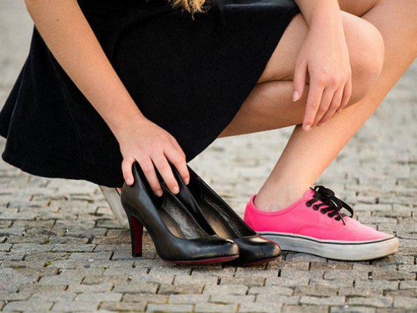 Mang giày thoải mái hỗ trợ lưu thông máu