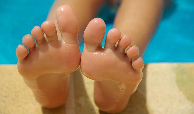 Tắm nắng cho đôi chân của bạn