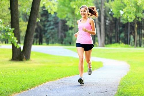Thực hiện lối sống lành mạnh giúp ngăn ngừa giãn tĩnh mạch