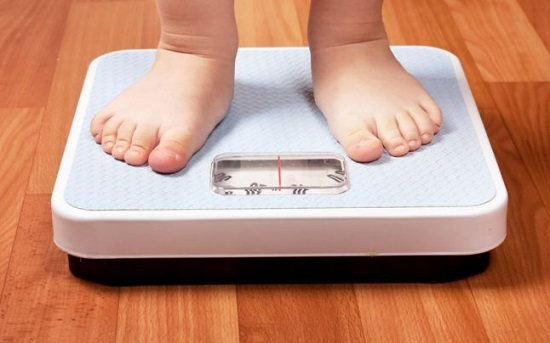 Tránh thừa cân béo phì để giảm áp lực mà đôi chân phải gánh chịu